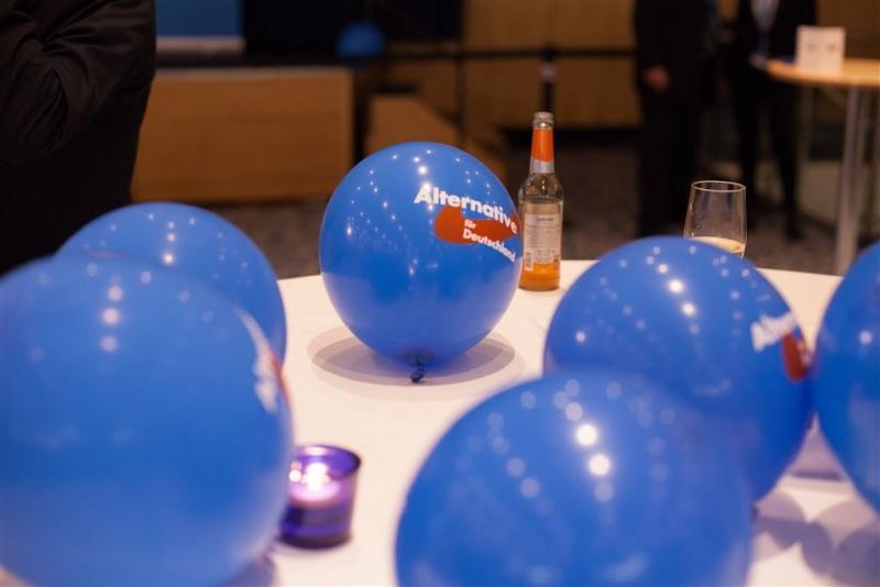 beatrix-von-storch-wahlkampfparty-europawahl-2014-024_14548846869_o