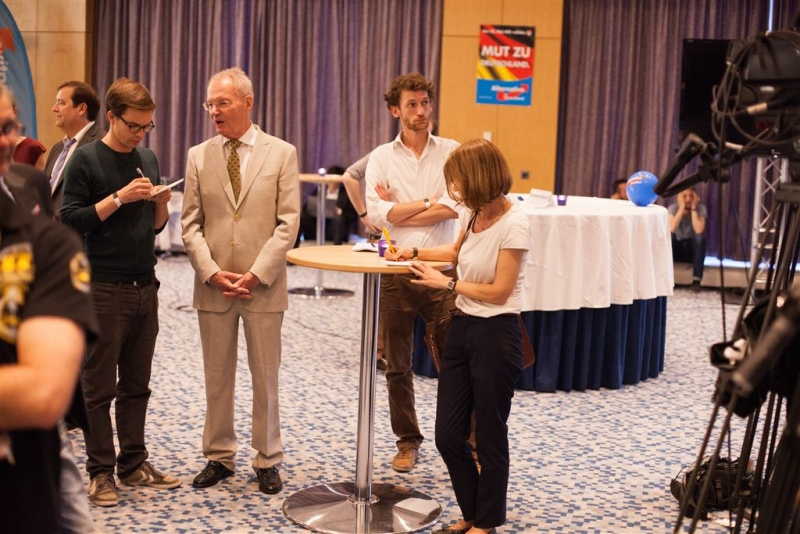 beatrix-von-storch-wahlkampfparty-europawahl-2014-026_14548846829_o